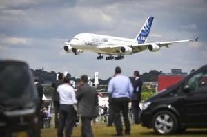 Les avions récents, comme l'A380 ici, sont directement livrés avec tous les systèmes de sécurité les plus récents. Les anciens peuvent être mis à jour.