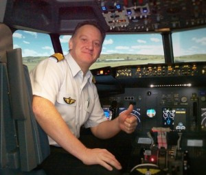 Vincent, responsable du simulateur de vol Easy Flight, assurera la partie technique du stage contre la peur de l'avion